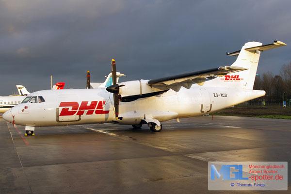 14.12.2013 ZS-XCD Solenta Aviation / DHL ATR 42-300F cn228