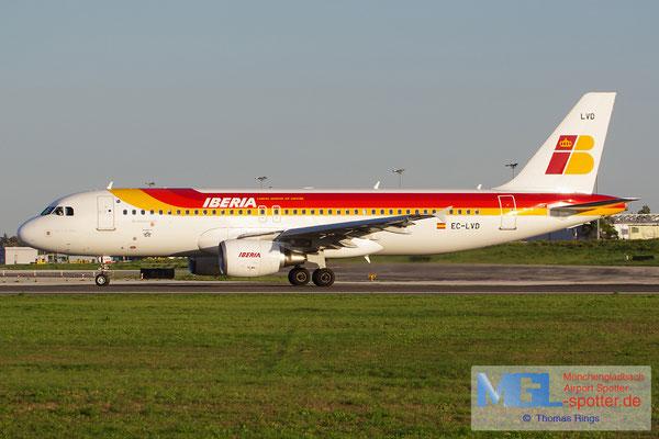 30.10.2013 EC-LVD Iberia A320-216