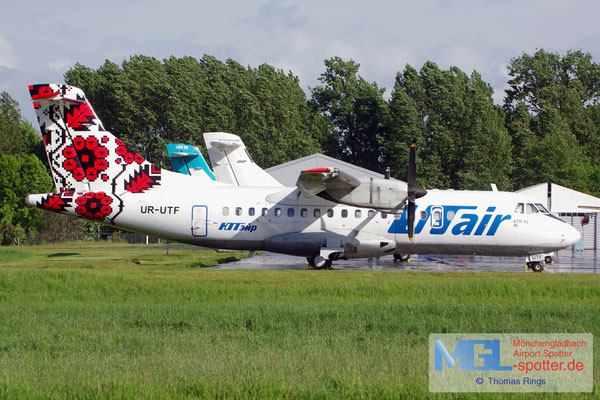 09.05.2014 UR-UTF UTair Ukraine ATR 42-300 cn042