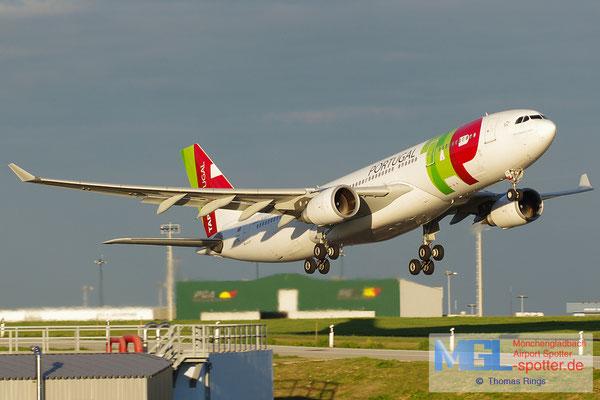 02.11.2013 CS-TOL TAP Portugal A330-223