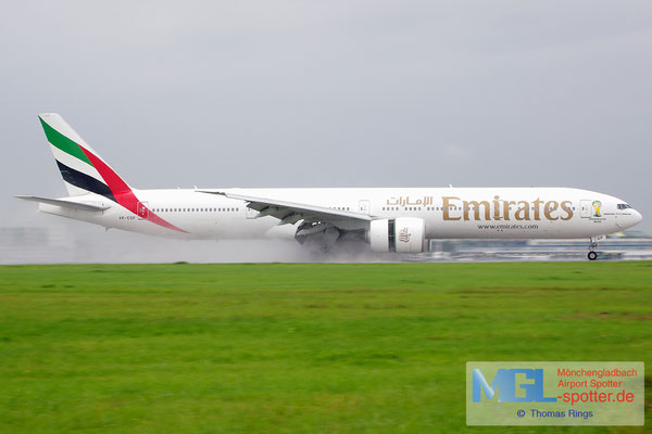 06.08.2014 A6-EGP Emirates B777-31HER