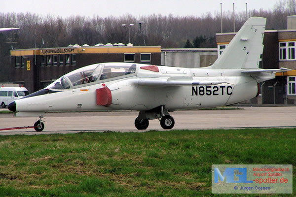 18.04.2006 N852TC SIAI MARCHETTI S-211  cn017