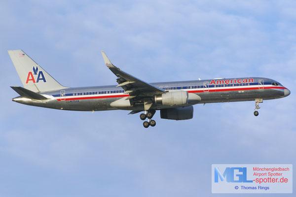 04.04.2015 N175AN American Airlines B757-223/W