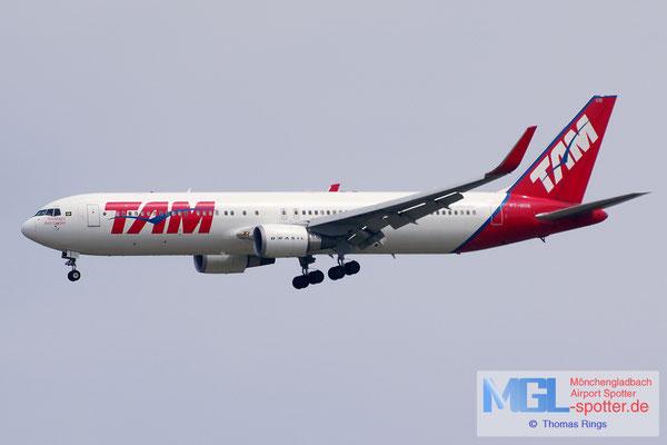 03.04.2015 PT-MOB TAM B767-316ER/W