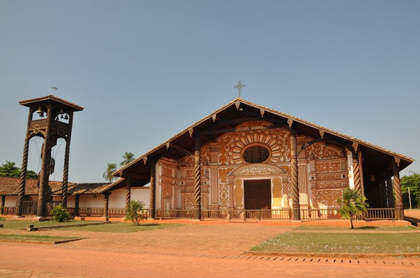 Wieder eine alte Holzkirche
