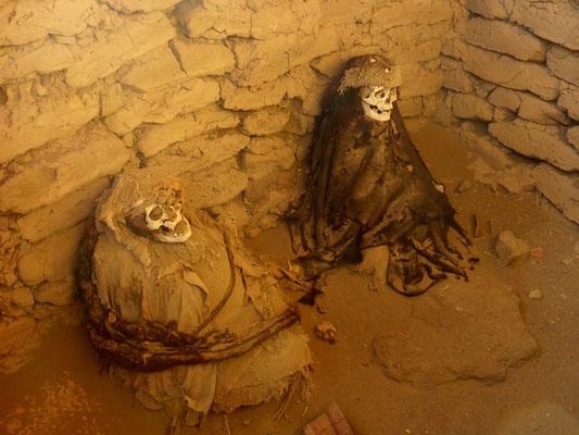 Mumien in Grabkammern