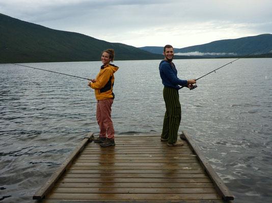 Wenn es nicht gerade regnet wird gefischt!
