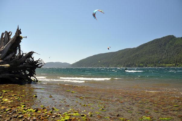 Kitesurfen am Lake Nitinat