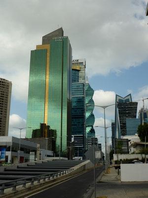 Noch mehr Bankgebäude
