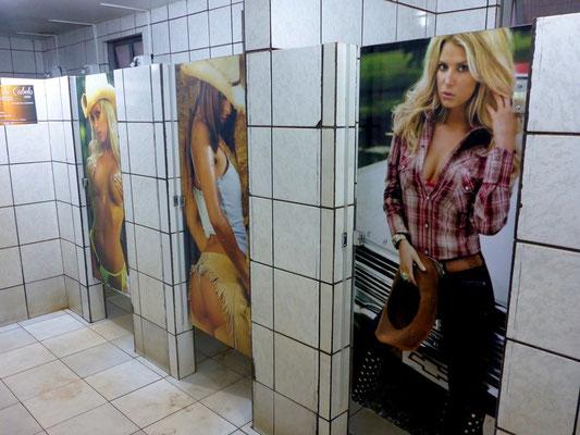 LKW Fahrer Toilette