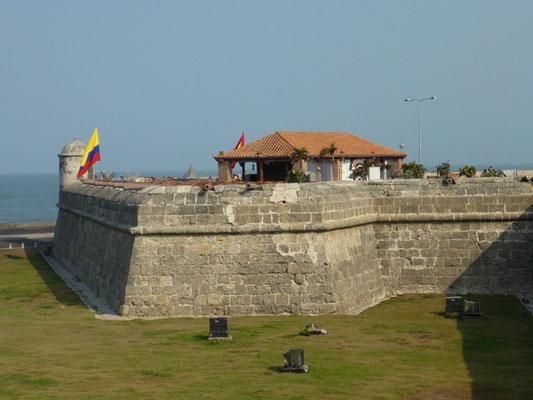 Dicke Festungsmauern rund um die Altstadt...