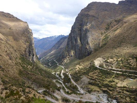 Da schlägt dem Motorradfahrer das Herz höher - Paso Abra Malaga 4350 m.ü.M.