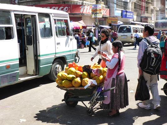 Mmhh - Papayas auf der Strasse