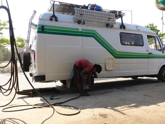 Einen Reifen reparieren