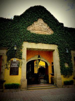 Der Prunkvolle Eingang zu Jose Cuervo
