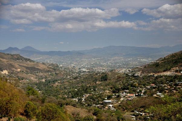 Blick von der PanAm auf Tegucigalpa