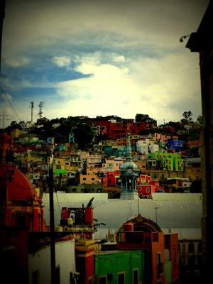 Farbige Dächer und Häuser