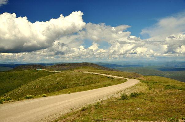 """Auf dem """"Top of the world"""" Highway zwischen Kanada und Alaska"""