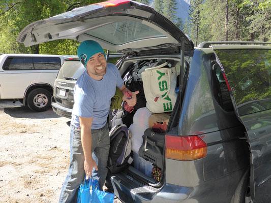 Der Minivan ist vollgestopft