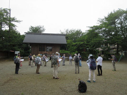 神明社  伊勢原市笠窪にあり、通称「大神宮」と称し祭神は天照皇大神 。