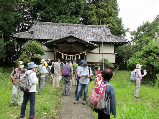 埼玉神社   創建年代等は不詳ですが、元久2年(1205)創建との伝承があります。   八王子千人同心が日光勤番の時に立ち寄って、無事の任務遂行を祈願しました。