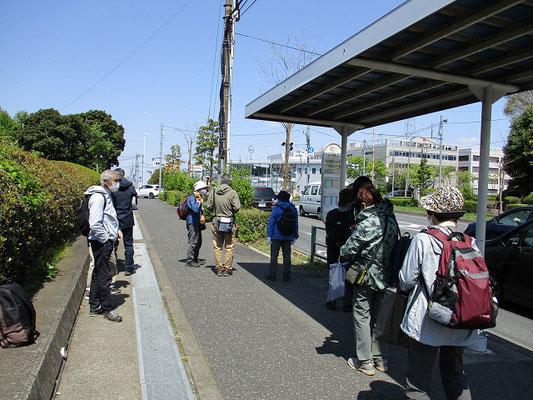 「京王多摩車庫前」バス停で解散 (12:00)   ご参加の皆様、ありがとうございました。