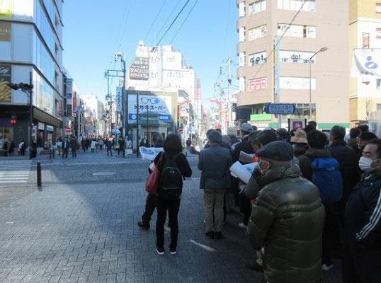 二つの鎌倉古道の合流点(Y字路になっている) 原町田宿の起点