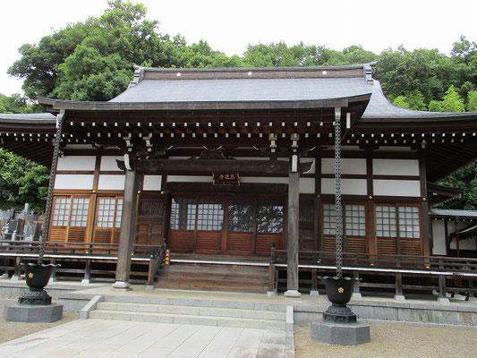 真言宗智山派寺院の西蓮寺   西蓮寺は、頼重(天正元年1573年寂)が開山、法幢(享和3年1803年寂)が中興したといわれています。