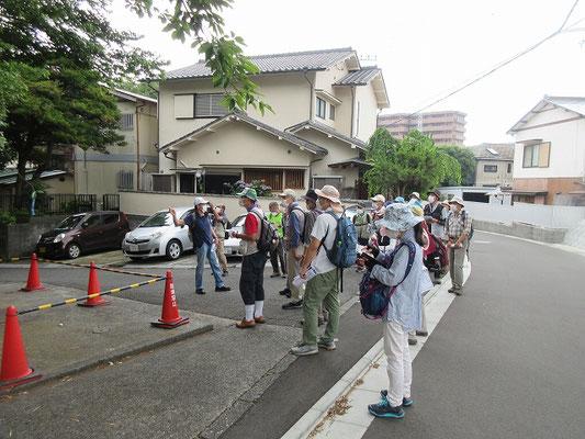 和田義盛の屋敷跡   和田義盛は三浦市和田を本領としますが、この地に別邸があったと云われており、現在は元湯陣屋という旅館の敷地になっています。