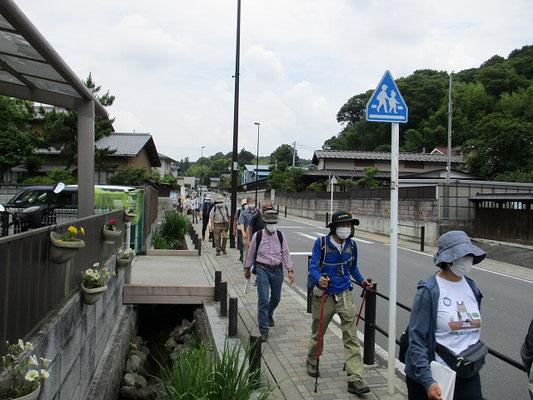小野路宿   江戸時代には大山街道の宿場町として栄え、6軒の旅籠と堀割があったそうです。