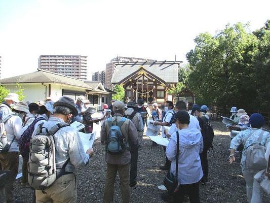 万福寺の熊野十二神社   祭神 宇気母智大神(うけもちのおおかみ)   神社の下にあった旧家が、正徳元年(1711)氏神として出身地の熊野社を勧請したことが始まりとされています。