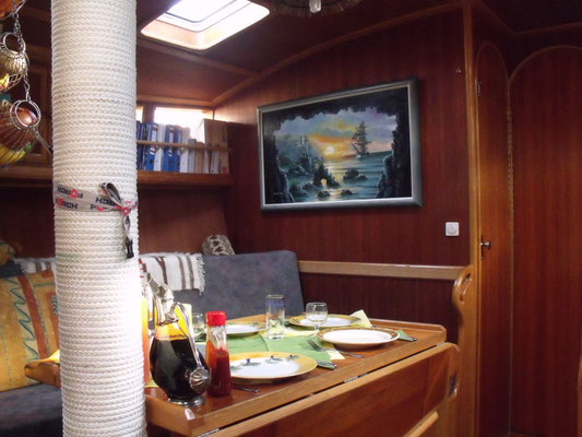 Tisch unterer Salon
