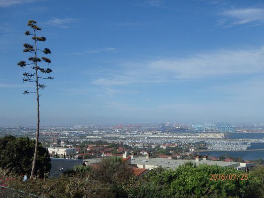 San Pedro  mit Blick zum Hafen LA