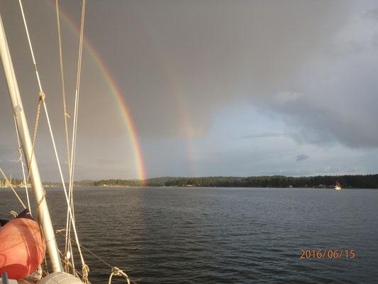 Regenbogen über der Delphin Poulsbo