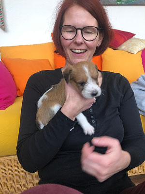 29.12.2018 - 35. Lebenstag: Carlo mit Frauchen Nicola