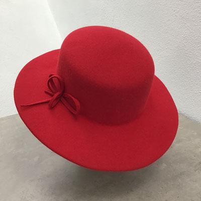 roter Hut Damen