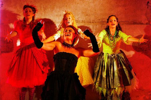 """Böse Tante in """"Prinzessin sucht Prinz"""", 2006 © Martin Hesz"""