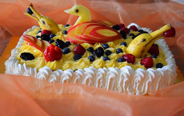 Torte mit Fruit Design
