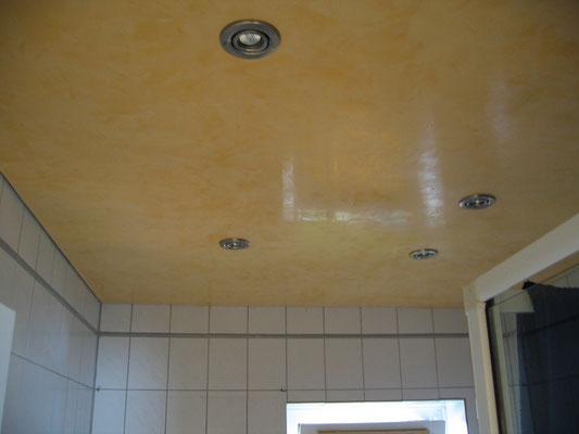 Decke von Badezimmer