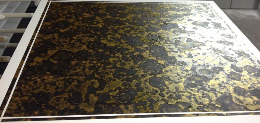 Möbellackierung einer Tischplatte, Oberflächengestaltung nach Kundenwunsch