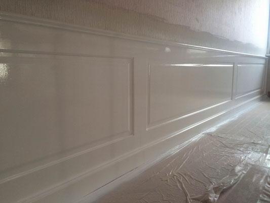 Wandvertäfelung weiß (Nasszustand)