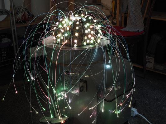 """"""" Echinoidea"""" schamottierter Ton bei 1250°C gebrannt, Schwamm, Glasfasern inkl. LED-Leuchtsystem welches verschieden farbig steuerbar ist. Größe: H 30 cm, Ø ~ 30 cm © Juliane Leitner 2016  Image by © Florian Wanninger 2016"""