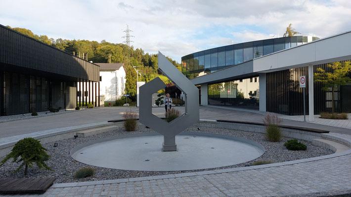 Rückansicht Brunnenskulptur Greiner | Foto © 2021 Juliane Leitner