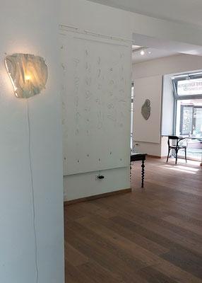 Lampe Fluxus & Kunstinstallation Hang Loose © 2021 Juliane Leitner