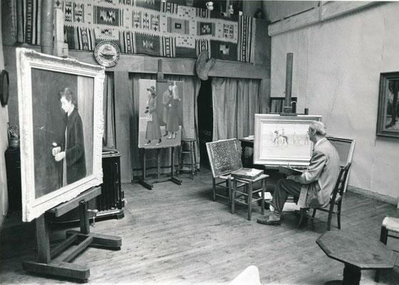 photo photographie du peintre André Tondu dans son atelier