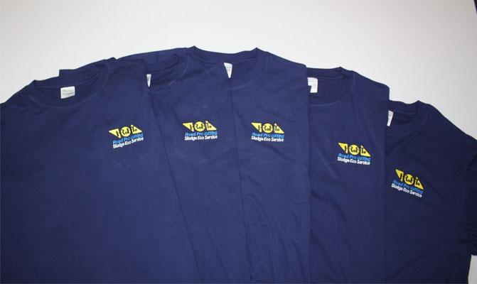 Tシャツへ会社ロゴ