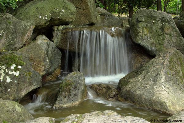 Wasserfall im japanischen Garten Bonn