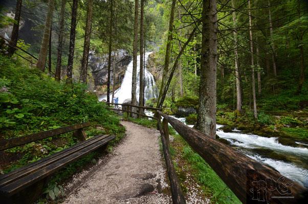Auf dem Weg zu den Gollinger Wasserfällen