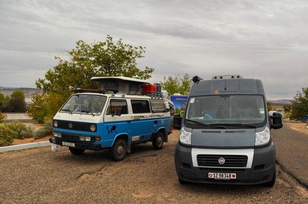 Zwei Schwyzer Bussli