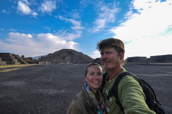 Vor der Pyramide des Mondes, Teotihuacán, México